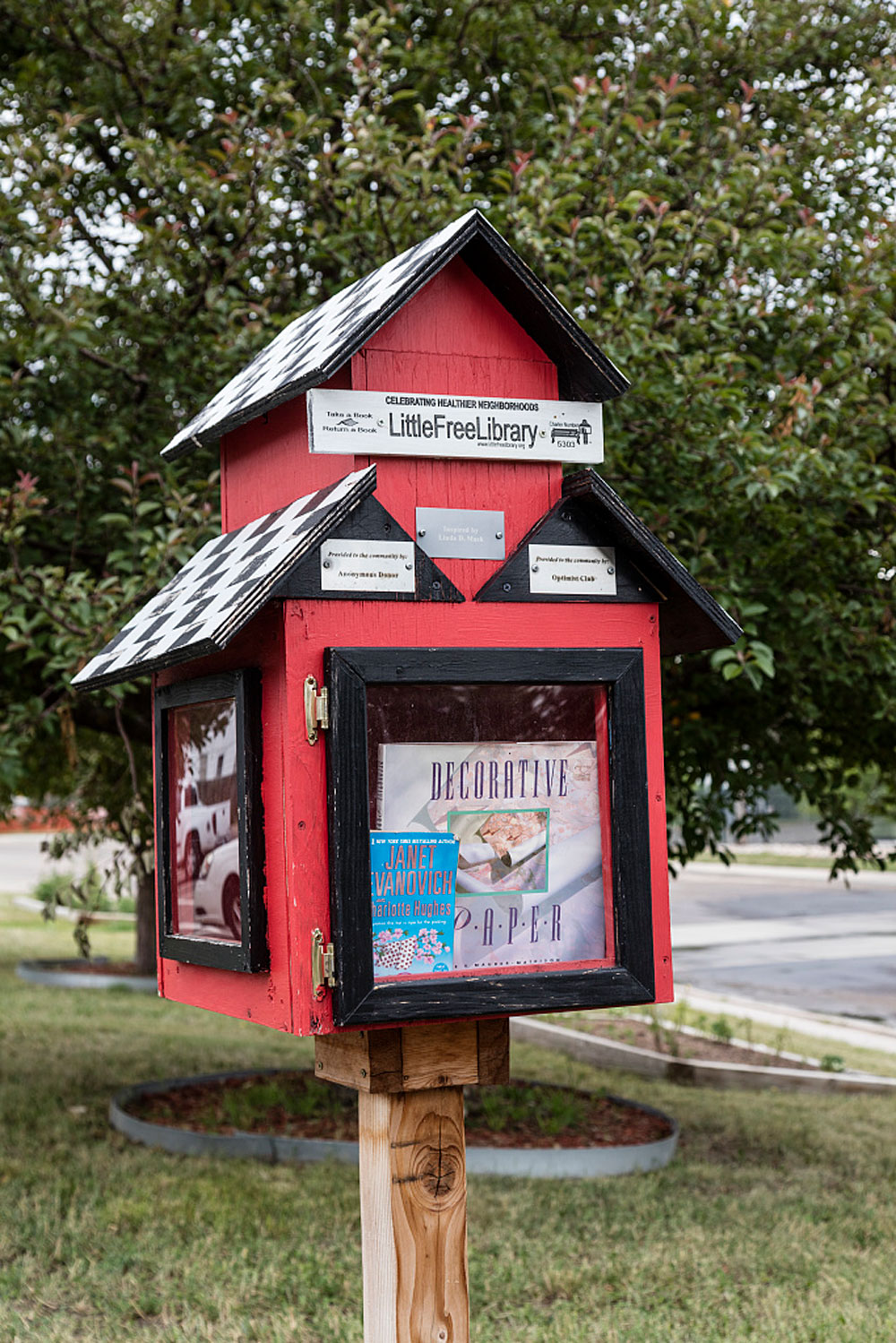 "A ""Birdhouse Library"" in Cheyenne, Wyoming, July 21, 2015"
