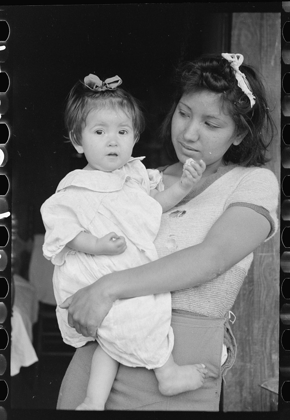Mexican Baby and her Sister in San Antonio, Texas, March 1939