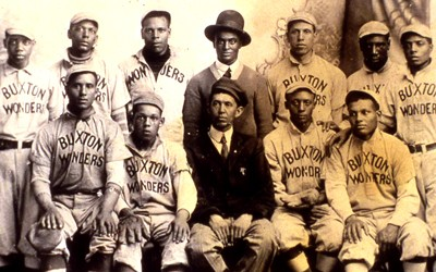 Photograph of the Buxton Wonders Baseball Team, an all-Negro traveling baseball team in 1915.