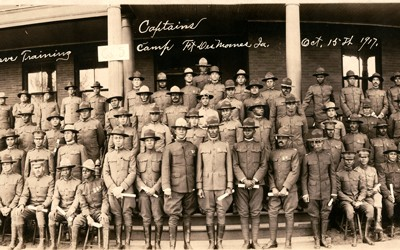1917 photo taken by Hebard Showers of 102 soldiers, mostly African American officers, at Fort Des Moines in Des Moines, Iowa.