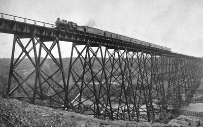 President McKinley's train crosses the Boone Viaduct in 1901.