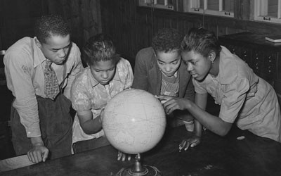 School children during a geography lesson at Lakeview Project School in Arkansas.