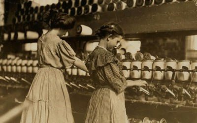 Young Girls at Spoolers at Lincoln Cotton Mill in Evansville, Indiana, October 1908