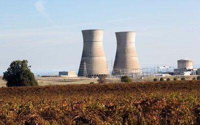 Image of a nuclear power plant in a field in northern California.