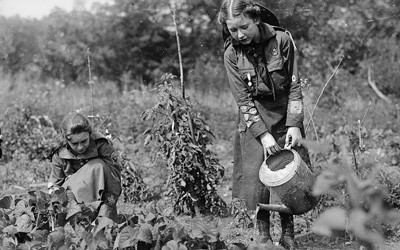 Girl Scout Garden in Washington, D.C., between 1917 and 1919