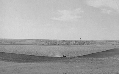 This photo from 1940 shows the landscape of Monona, Iowa, which is located on the western side of the state.