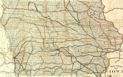 Map from Des Moines, IA showing several rail lines that cover the entire states.