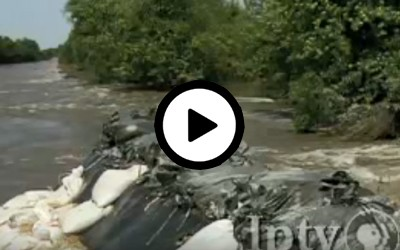 Video about the impact of the 2008 flooding had on Midwestern farmland and Iowa farmers.