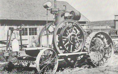 Photos of the Froelich Tractor from 1892